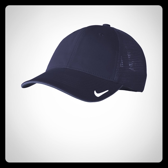 ecf4966b52378 BRAND NEW WITH TAGS Nike Dri-FIT Mesh Back Cap Boutique